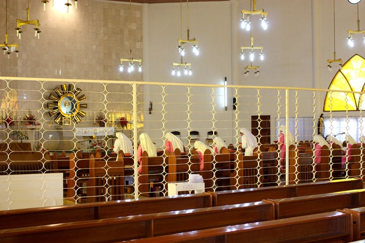 7_Cloistered nuns in adoration, Ruteng (30 October 2011)_