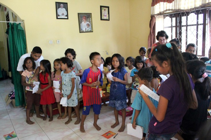 Practicing Christmas carols (16 December 2012)