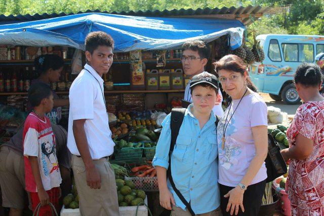 A visit to the markets - Jimla (in red), Brs Francis and Nerlito, Alexander and Tina (12 December 2012)_