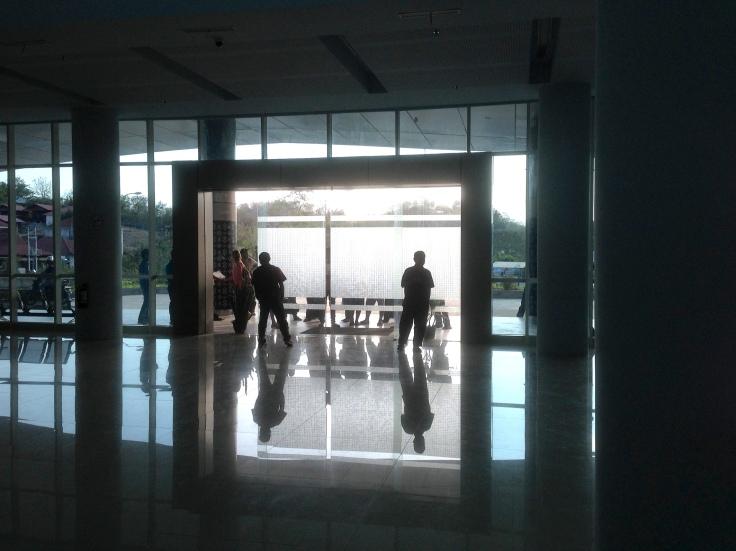 9_Airport LB