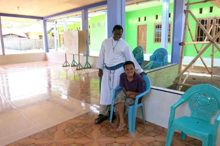 Brother Emmanuel greets Nivren (March 2015)