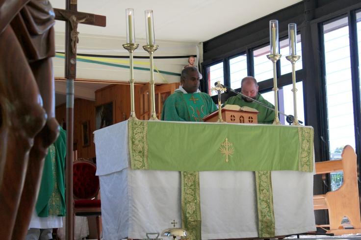 4 Fr Ambrose with concelebrant Fr Oskar Osinski OSPPE, Rector of Marian Valley