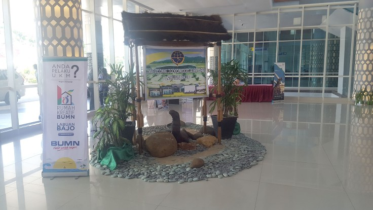 15-welcome-to-komodo-airport