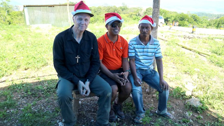 23-three-dignitaries-santa-from-australia-roger-from-dili-and-the-local-council-member