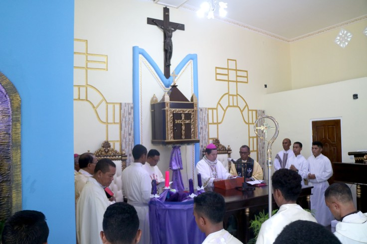 1_Mass offered for the new chapel